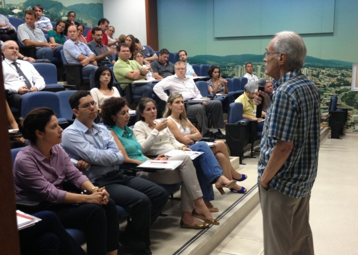 Professor Sandroni - 25-02-2014 - Auditório Sandroni
